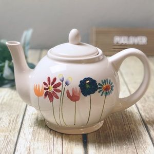 RAE DUNN 2019 Mother's Day teapot